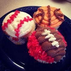 Boys birthday sports theme cupcakes.