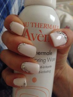 gel nailss, neutral gel nails, white gel nails