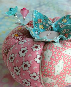Love everything about this pin cushion!