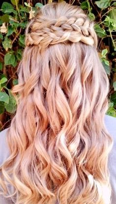 Bridesmaid waterfall braid with loose romantic curls! Beachi Curl, Loose Curls With Braid, Braid Bridal, Braid Hairstyles, Waterfall Braids, Wedding Hairstyles, Soft Curls, Loose Curls And Braids, Romantic Curls