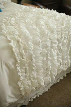 DIY Ruffle Blanket Tutorial