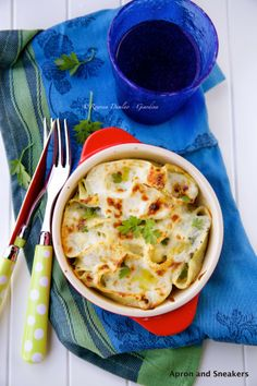 Baked Stuffed Shell Pasta (Conchiglioni) With Ricotta, Chicken and Spinach