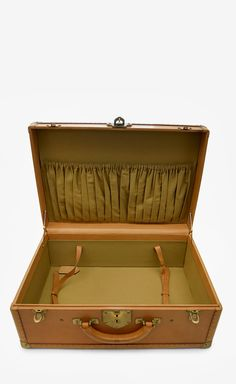 Wathne Sandy Brown Luggage |old school leather suitcase