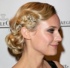Diane Kruger's hair strikes again