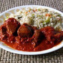 Carne de res en salsa de chile guajillo