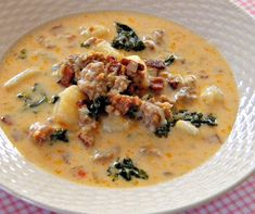 Zuppa Toscana Soup, had this that someone else made, YUM!