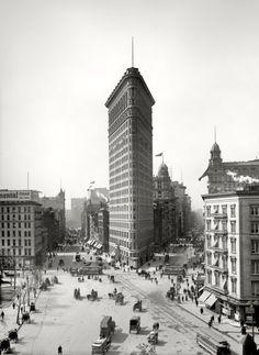 "New York circa 1903. ""The Flatiron Building."""