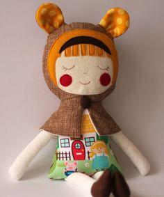 A Menina dos Cabelos Doirados. Boneca de pano. Boneca de trapos para crianças. Prenda para meninas. Personagem contos de fadas.. $45,00, via Etsy.