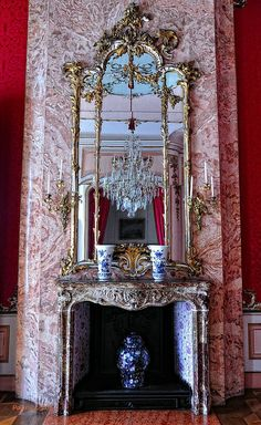 pink marble fireplace - Sanssouci (Potsdam)