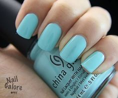 Tiffany blue nails!