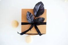 cute gift wrapping {so simple}
