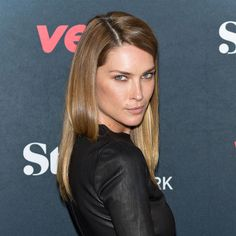 Date Night Makeup Idea: Steal This Bronze-y Look From Erin Wasson