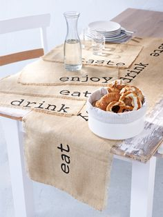 ... table runner ...