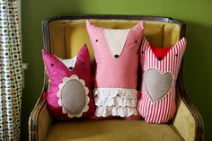 Elsie of A Beautiful Mess has a fabulously simple tutorial for these foxy little plushies!