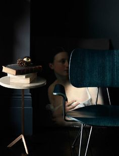 Side table. Damien Russel photography