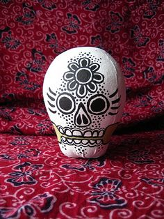 This girl is awesome with skulls!