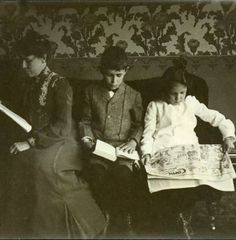 Newpaper, Book & Comics c.1903
