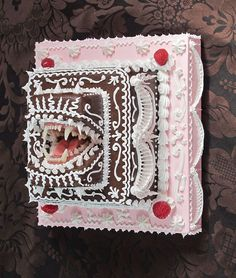 lovely cake. ( vagina dentata )