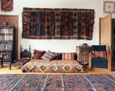 Introducing New Worlds With A Shrug: Insides: Decorating with Textiles