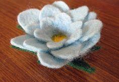 The Tiny Owls: Needle Felting Tutorial - Make a small flower
