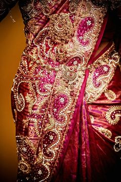 paisley saree embroidery