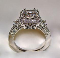 Stunning Vintage Ring!