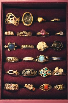Vintage rings, yes please