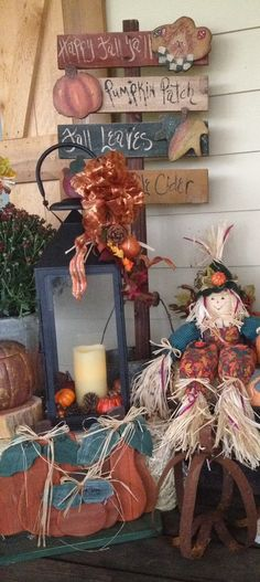 It's Fall! Fall porch decor!