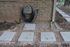 Stepping stones and gravel keep the mud at bay. How to lay a paver walkway