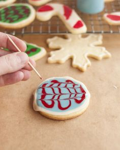 How to Create a Marbled Effect when Decorating Cookies | Cooking Lessons from The Kitchn