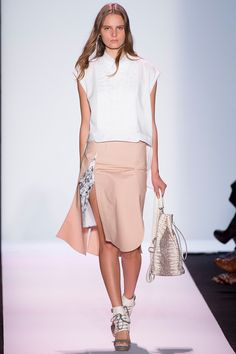 #BCBGMaxAzria  #Spring/2014 #Catwalk #trends #MBFWNY #NewYork #SS/2014 #layers #capas #shirtCollar #cuelloCamisero on Style.com