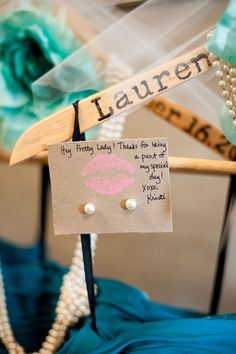 personalized bridesmaid hanger and earrings