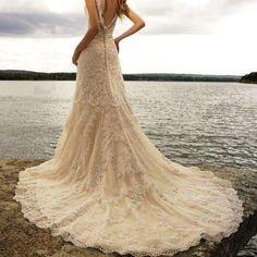 vintage lace beach wedding dress