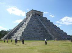 Exploring Mayan ruin in 2012: Chichen Itza