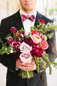 Deep red bouquet: http://www.stylemepretty.com/texas-weddings/dallas/2014/09/29/modern-romeo-and-juliet-inspired-shoot/ | Photography: Lindsey Shea - http://www.lindseysheaphotography.com/