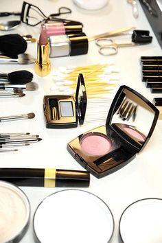 Products for a beautiful dressing table