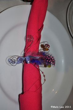 D.I.Y handmade feather table napkin holder