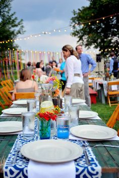 casual outdoor welcome party or rehearsal dinner @Patti B Mapes  just a simple runner in your wedding colors?
