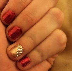 Holiday Nails - this is so simple but I love the idea!~