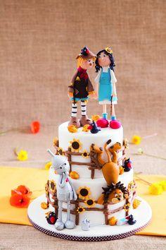 The wizard of Oz - by Madamegateau @ CakesDecor.com - cake decorating website