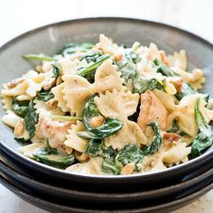 Chicken and Spinach Farfalle Recipe-couldn't find copycat Buca di Beppo Chicken and Sausage Ziti so I'm thinking I can add sausage, change faralle to ziti and omit pine nuts!!