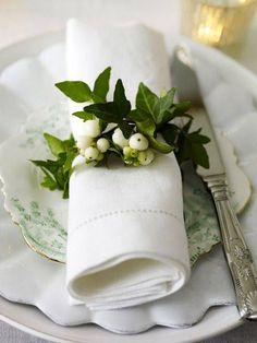 napkin rings, tie, green napkin, cloth napkins