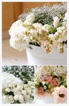 Beautiful DIY Wedding Flowers, Bouquets and Centerpieces | Team Wedding Blog #weddingflowers #teamwedding #diyweddingflowers