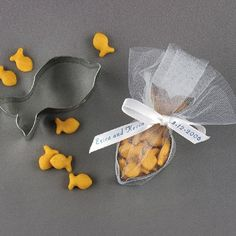 Cookie cutter & goldfish cracker favors party favors, idea, kids favors, fish cooki, cutter favor, kid parti, cookie cutters, goldfish cracker, cooki cutter