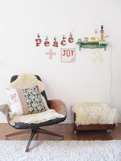 simple & festive. love it. dottie angel.