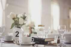 vintage-books-table-number-centerpiece