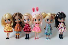 petite blythes in handmade dresses (by obsessivelystitching)