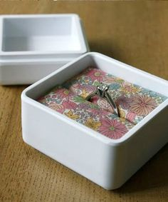 Tutorial: Ring Box DIY - Click the image for the Tutorial!