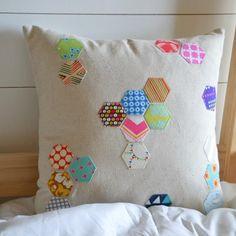 {DIY Scattered Hexagon Pillow!}