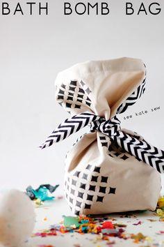 bath fizzies gift bag tutorial // see kate sew